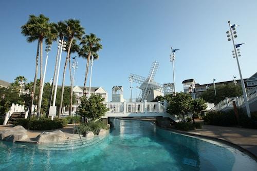 Disney's Beach Club Resort image 21