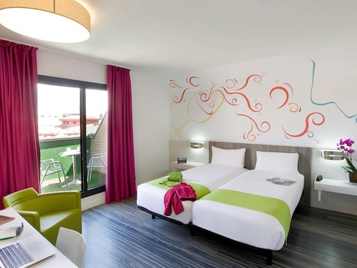 __{offers.Best_flights}__ Hotel ibis Styles Madrid Prado