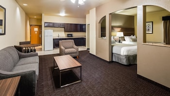 Suite, Multiple Beds, Accessible, Kitchen (with Sofabed)