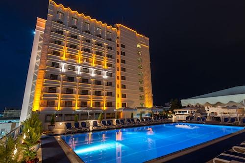 . Best Western Plus Khan Hotel