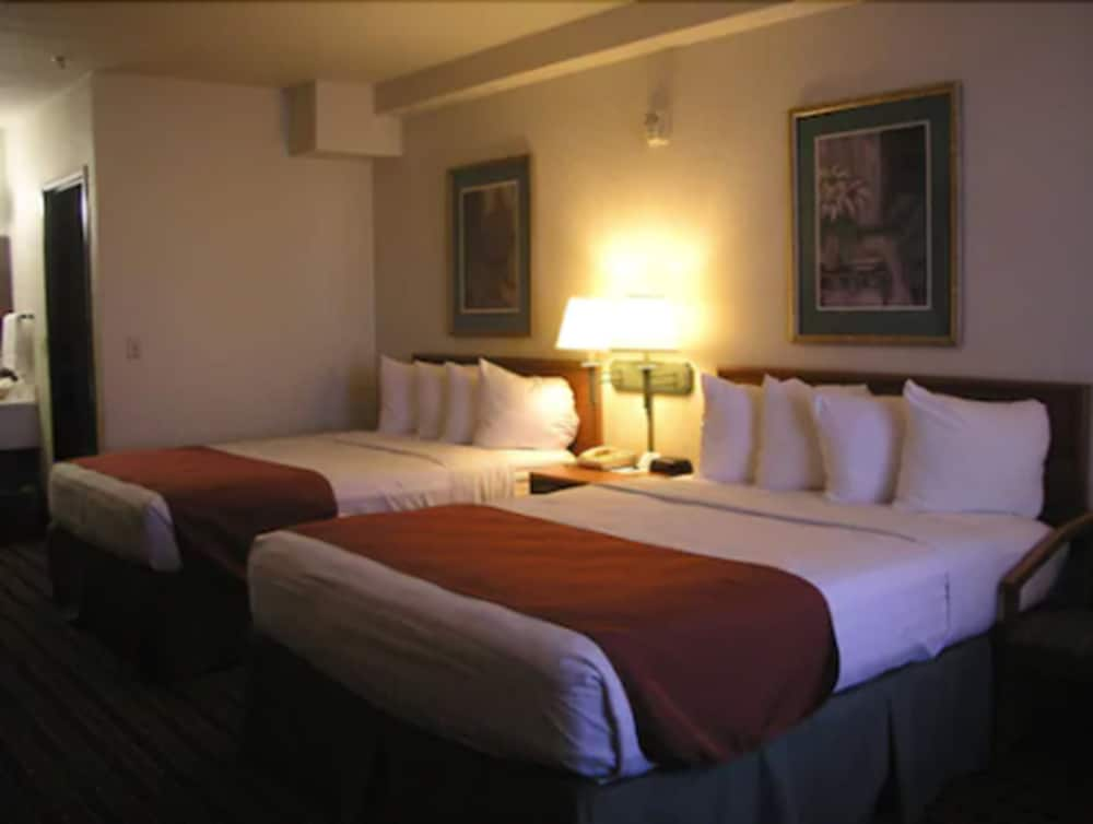 Traditional Room, Accessible