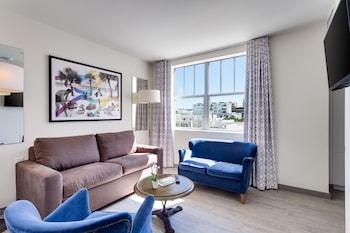 Suite, 1 Bedroom, Pool View