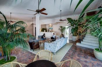 Lobby Sitting Area At Clinton Hotel South Beach
