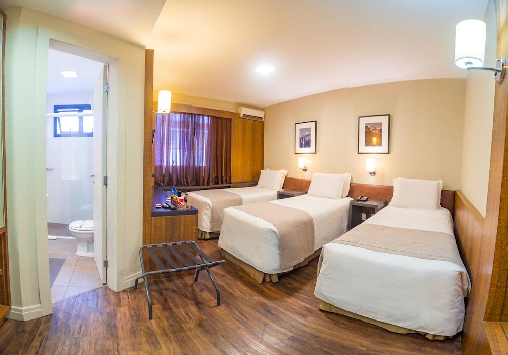호텔 포르토 다 일하(Hotel Porto da Ilha) Hotel Image 5 - Guestroom
