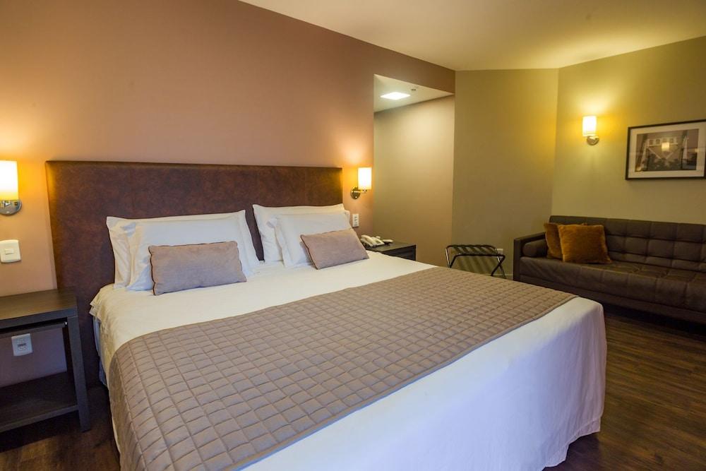 호텔 포르토 다 일하(Hotel Porto da Ilha) Hotel Image 6 - Guestroom