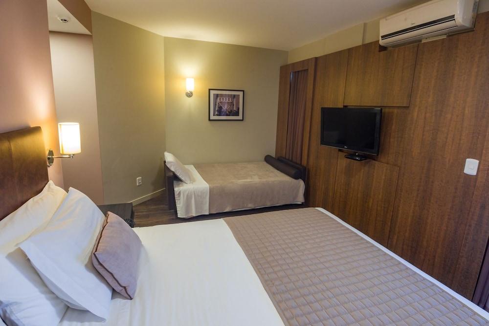 호텔 포르토 다 일하(Hotel Porto da Ilha) Hotel Image 11 - Guestroom