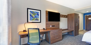 Suite, 2 Queen Beds, Accessible (Hear, Roll In Shwr)