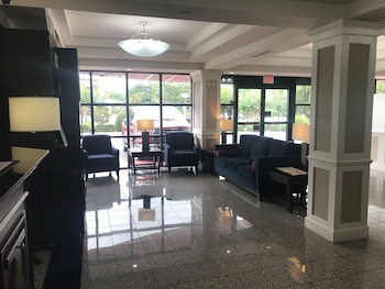 Comfort Suites Northlake Tucker