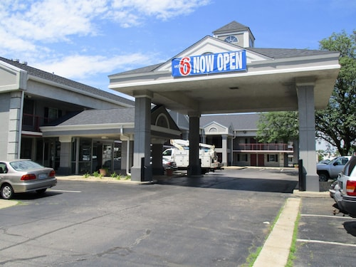 __{offers.Best_flights}__ Motel 6 Alsip, IL