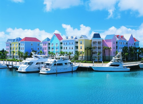 . Harborside Resort at Atlantis