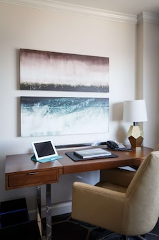 Room, 1 King Bed (Concierge)
