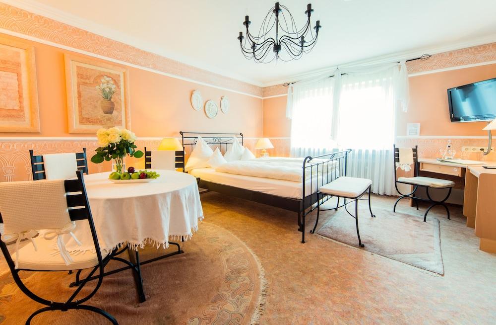 앰비언트 호텔 암 유로파카날(Ambient Hotel Am Europakanal) Hotel Image 14 - Guestroom
