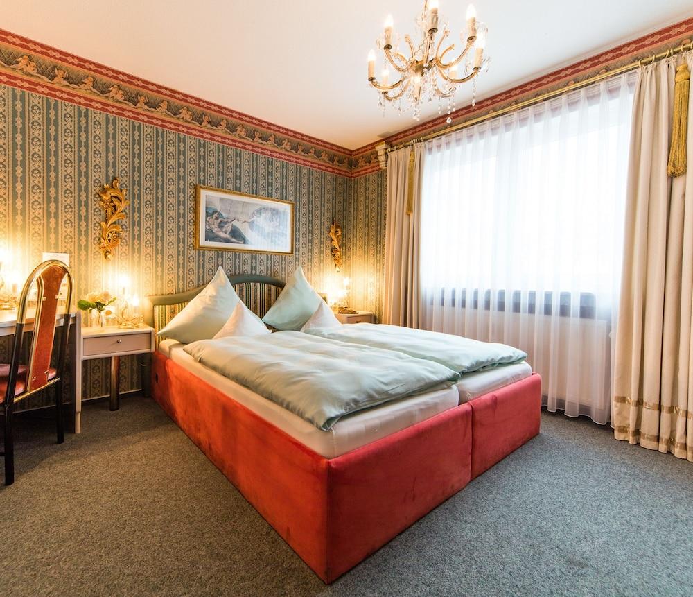 앰비언트 호텔 암 유로파카날(Ambient Hotel Am Europakanal) Hotel Image 16 - Guestroom