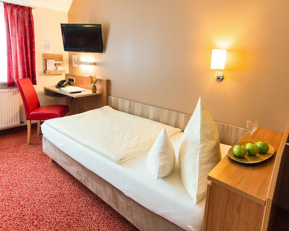 앰비언트 호텔 암 유로파카날(Ambient Hotel Am Europakanal) Hotel Image 28 - In-Room Amenity