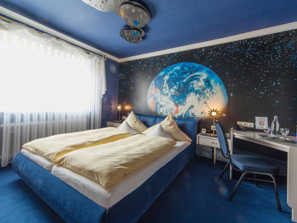 앰비언트 호텔 암 유로파카날(Ambient Hotel Am Europakanal) Hotel Image 17 - Guestroom