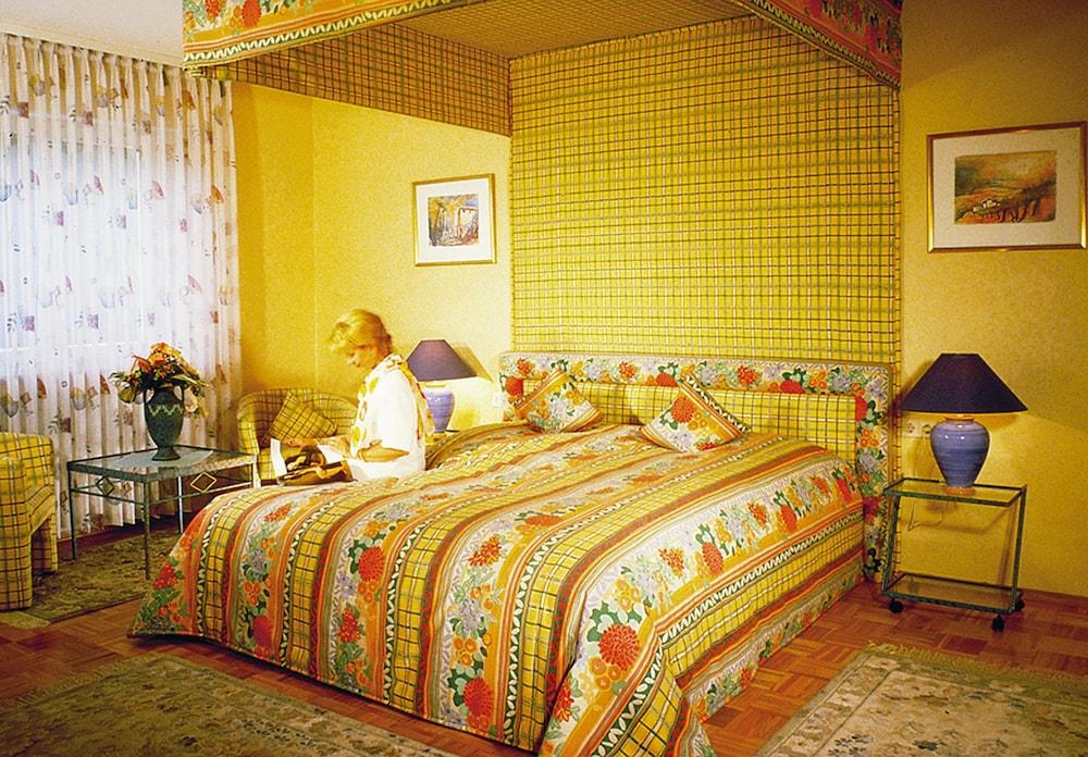 앰비언트 호텔 암 유로파카날(Ambient Hotel Am Europakanal) Hotel Image 13 - Guestroom