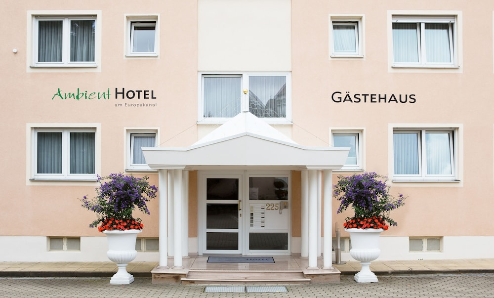 앰비언트 호텔 암 유로파카날(Ambient Hotel Am Europakanal) Hotel Image 46 - Exterior