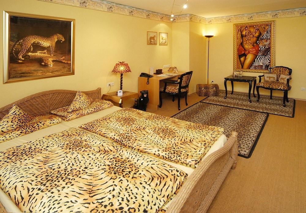 앰비언트 호텔 암 유로파카날(Ambient Hotel Am Europakanal) Hotel Image 6 - Guestroom