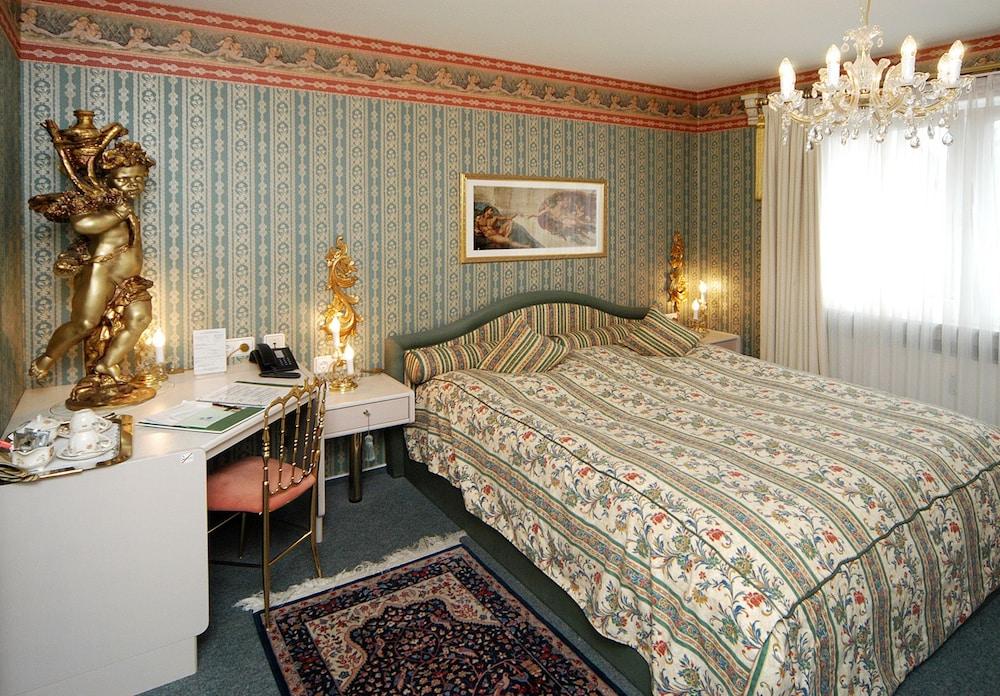 앰비언트 호텔 암 유로파카날(Ambient Hotel Am Europakanal) Hotel Image 10 - Guestroom