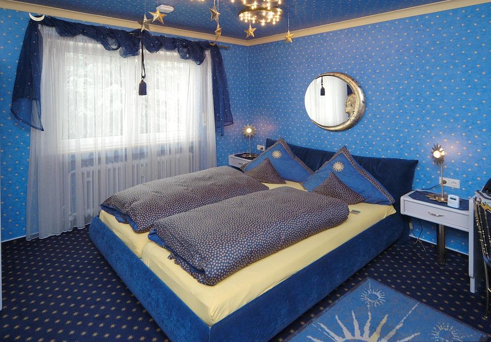 앰비언트 호텔 암 유로파카날(Ambient Hotel Am Europakanal) Hotel Image 9 - Guestroom
