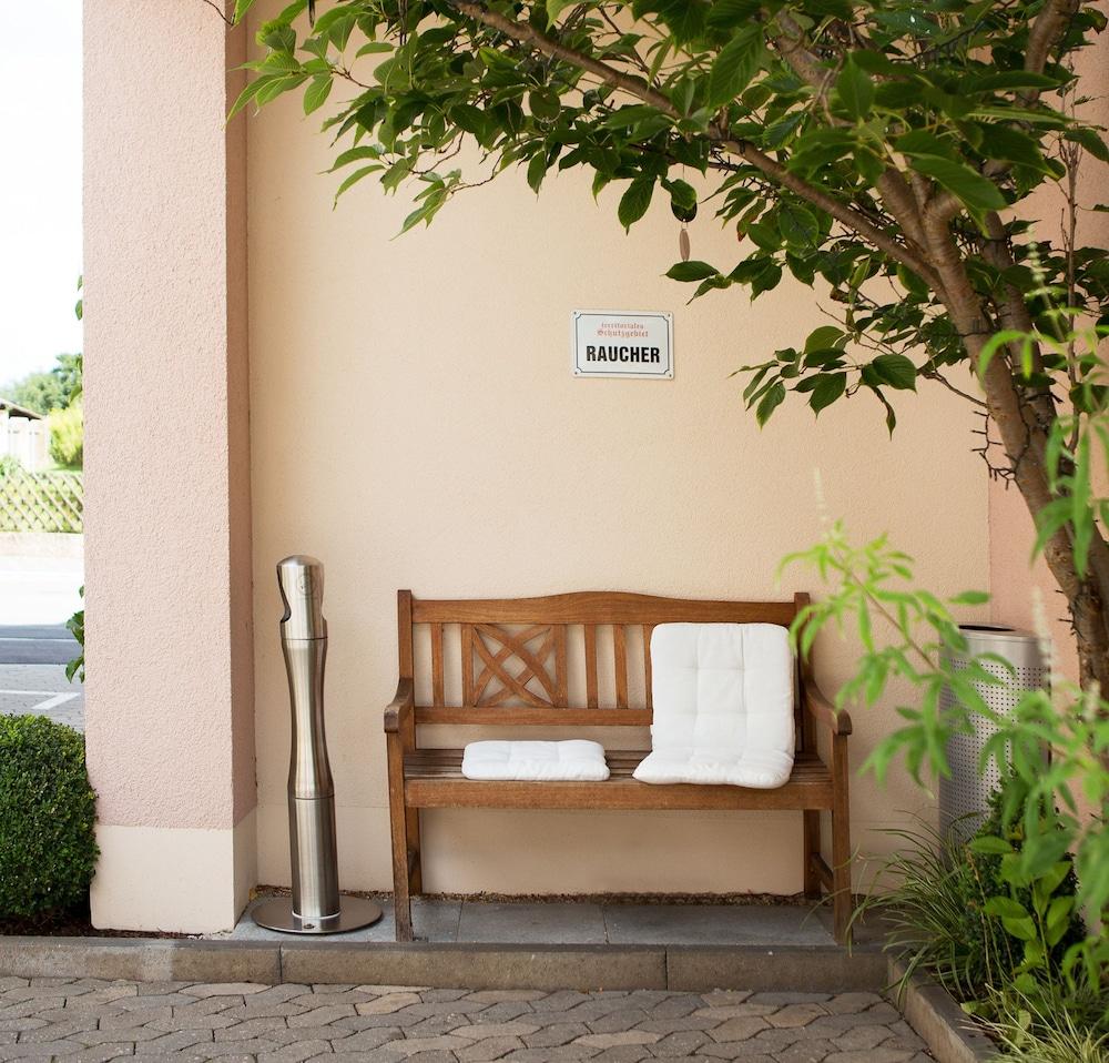 앰비언트 호텔 암 유로파카날(Ambient Hotel Am Europakanal) Hotel Image 1 - Exterior