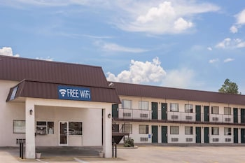 Travelodge by Wyndham Cordele photo