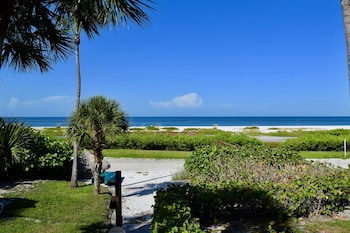 Hotel - Caribbean Beach Club by Capital Vacations
