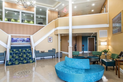 Quality Inn & Suites Middletown - Newport, Newport