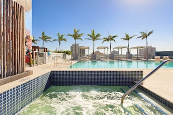 Hotel - South Beach Hotel