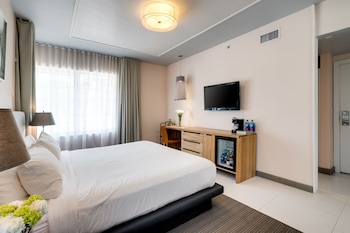 Deluxe Room, 1 King Bed, Park View