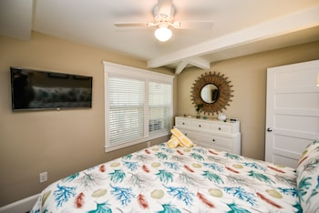 1 Bedroom Superior Suite with Bunks