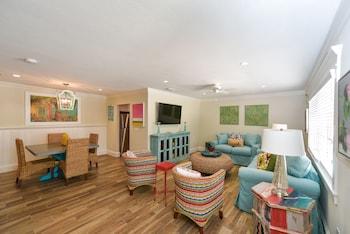 Suite, 1 Bedroom (Large)