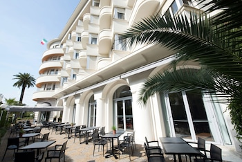 Hotel - Hôtel Le Grand Pavois