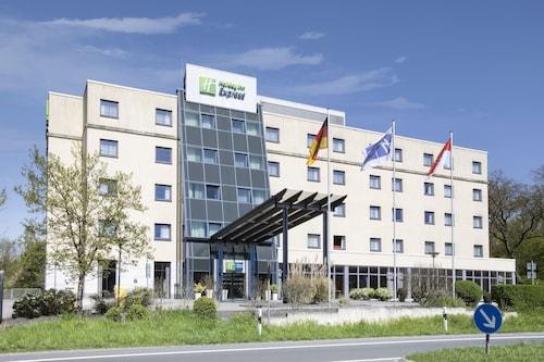 . Holiday Inn Express Frankfurt Airport