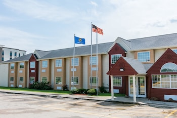 Hotel - Days Inn & Suites by Wyndham Pryor