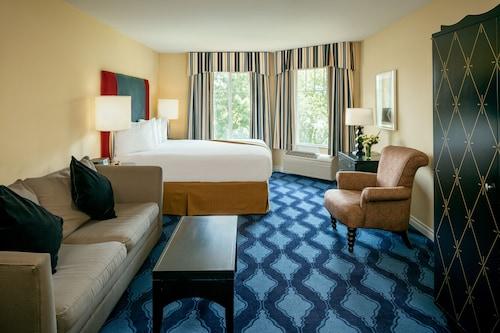 Plaza Inn & Suites at Ashland Creek, Jackson