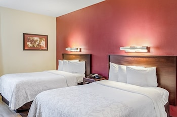 Deluxe Room, 2 Double Beds, Accessible (Smoke Free)
