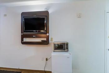 Motel 6 Oshkosh - In-Room Amenity  - #0