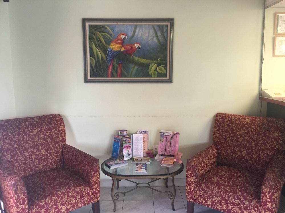 Entrance & Lobby