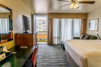Room, 1 Bedroom, Balcony, Partial Ocean View