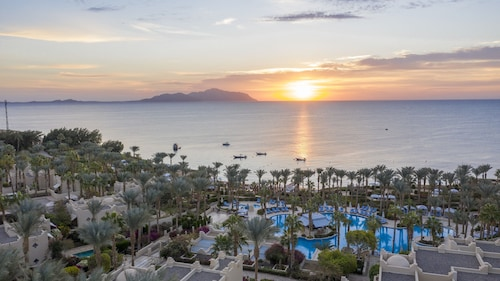 __{offers.Best_flights}__ Four Seasons Resort Sharm EL Sheikh