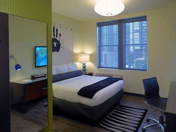 Standard Room, 1 Queen Bed, Non Smoking, City View