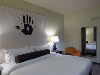 Suite, 1 King Bed, Accessible, City View (Living Room;Walk-in Shower)