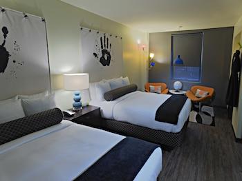 Standard Room, 2 Queen Beds (320 SQFT)