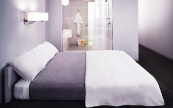 Room (Large)