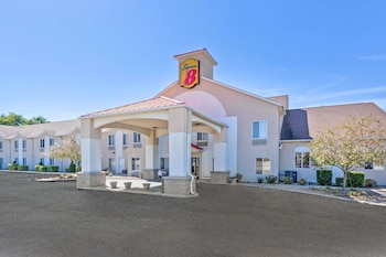Hotel - Super 8 by Wyndham Cloverdale