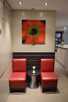 Lobby Sitting Area at Best Western Plus Hospitality House in New York