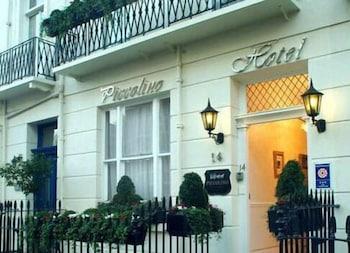 피콜리노 하이드 파크 호텔(Piccolino Hyde Park Hotel) Hotel Image 1 - Hotel Entrance
