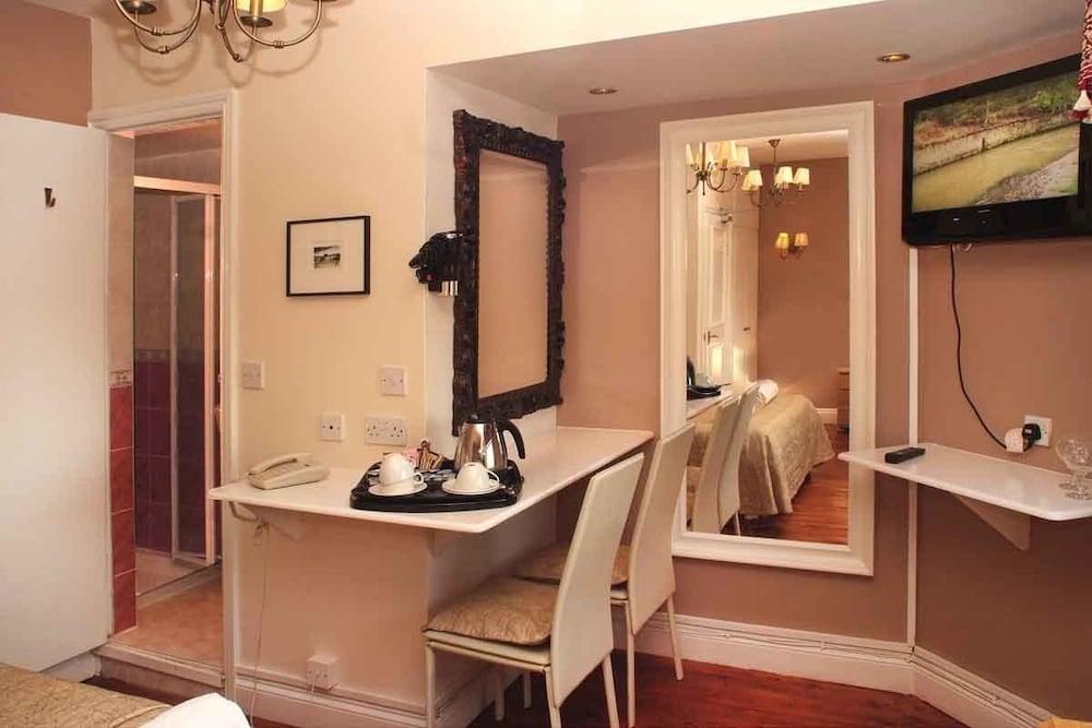 피콜리노 하이드 파크 호텔(Piccolino Hyde Park Hotel) Hotel Image 25 - Living Area