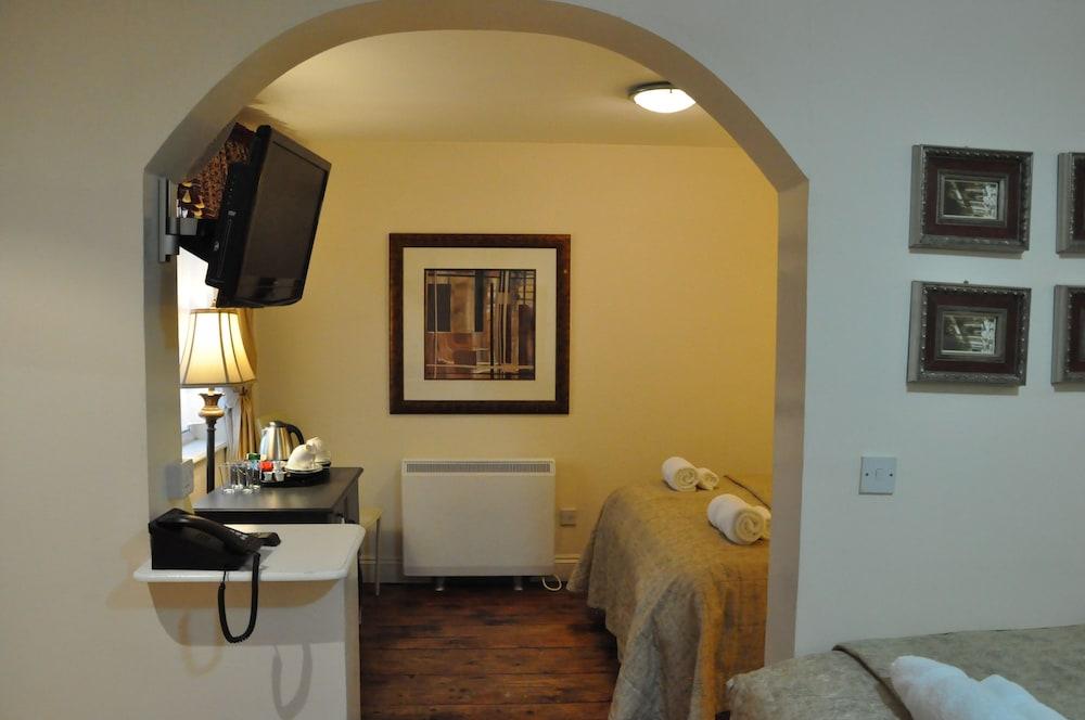 피콜리노 하이드 파크 호텔(Piccolino Hyde Park Hotel) Hotel Image 24 - Guestroom